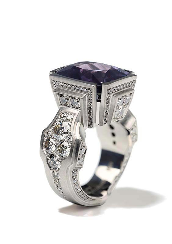 149: Ring, White Gold, Spinel, Diamonds